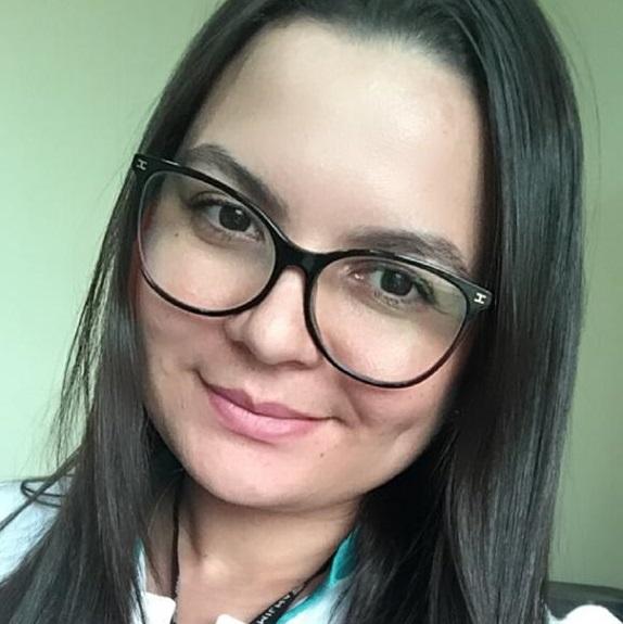 Elania Oliveira